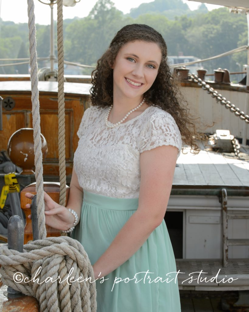 Charleen's Portrait Studio - High School Senior Portraits