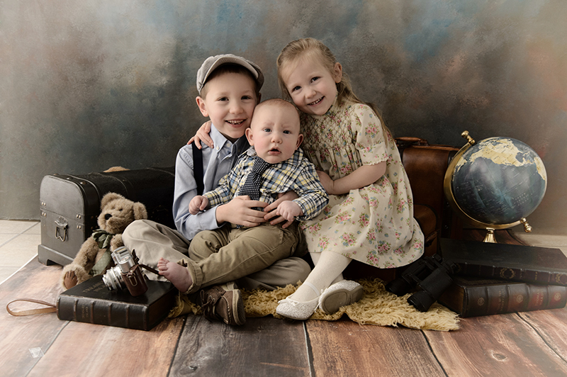 Charleen's Portrait Studio - Family Portraits