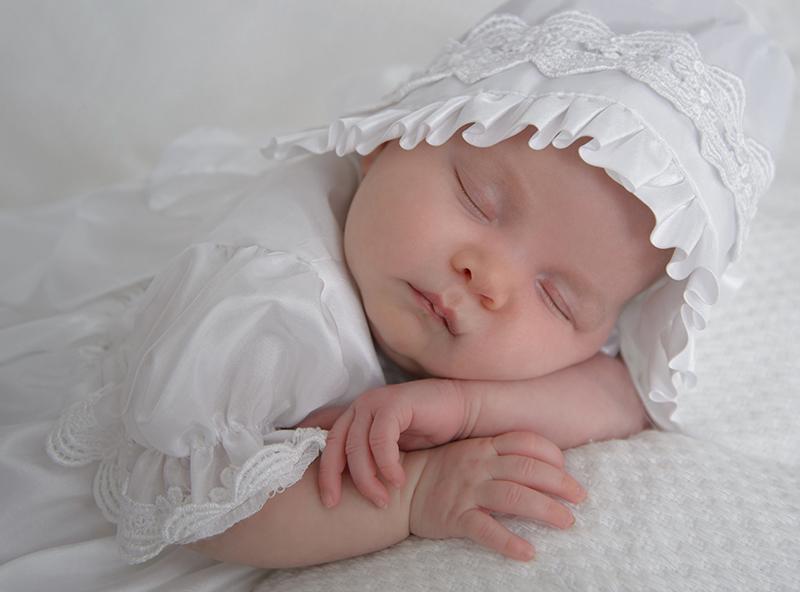 Charleen's Portrait Studio - Newborn / Maternity Portraits